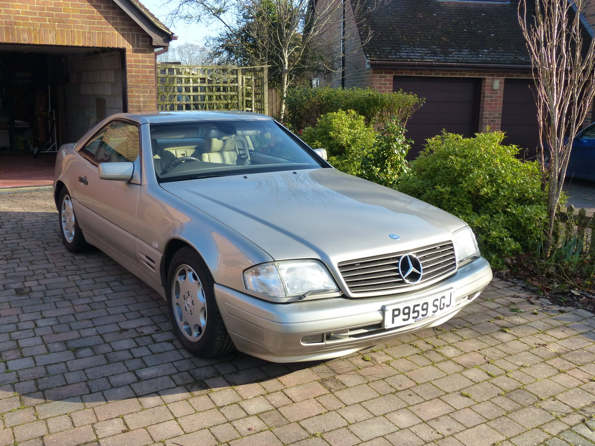 1996 Mercedes SL320 R129 Stylish & Affordable Classic For Sale (picture 1 of 6)