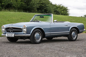 1968 Mercedes-Benz 280SL Pagoda (W113) Automatic Black Leather  For Sale