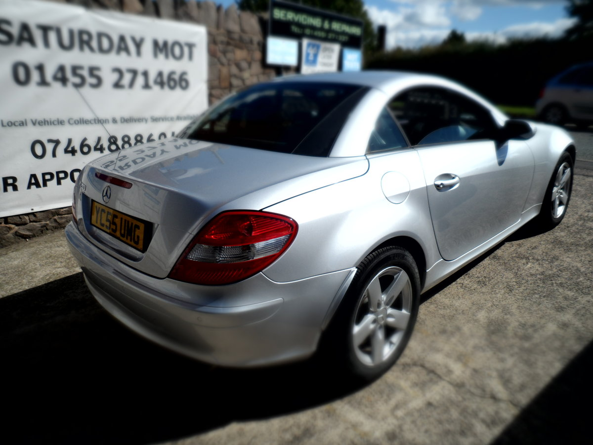 2005 SLK 3LTR AUTO V/6 PETROL  SMOOTH AS SILK WITH LEATHER 47 MIL For Sale (picture 1 of 6)