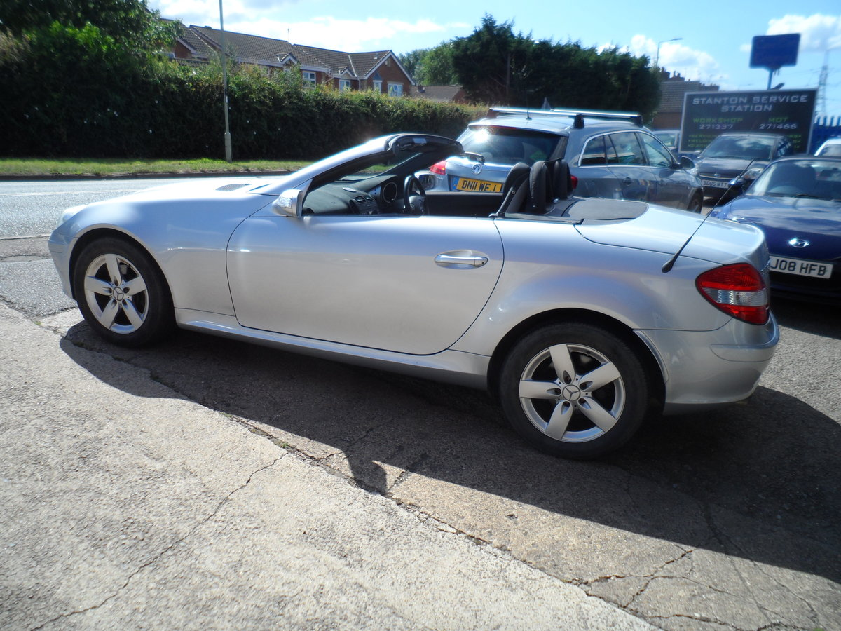2005 SLK 3LTR AUTO V/6 PETROL  SMOOTH AS SILK WITH LEATHER 47 MIL For Sale (picture 5 of 6)