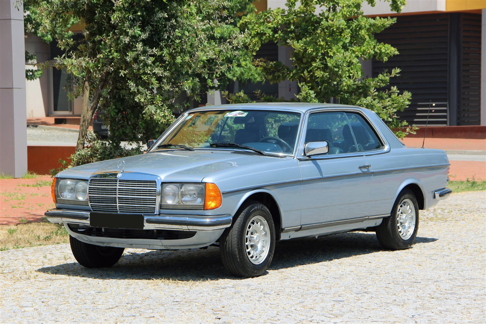 1983 Mercedes-Benz 230CE For Sale (picture 1 of 6)