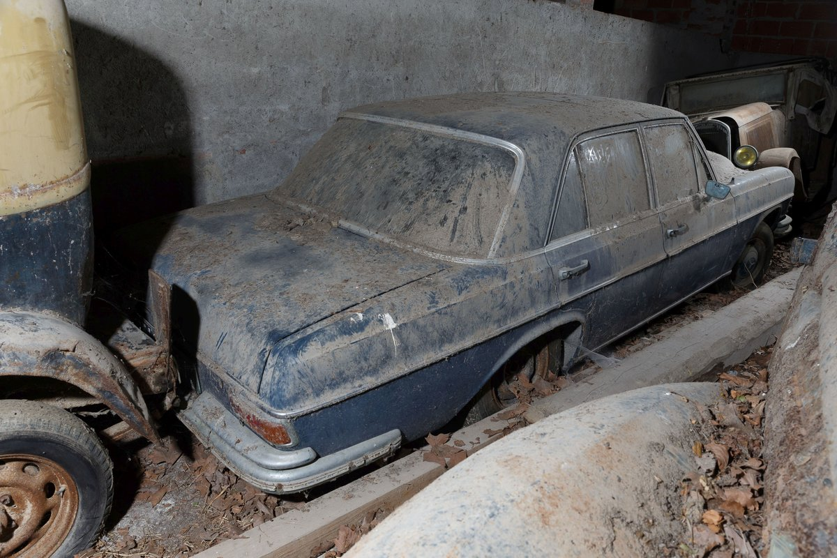 Circa 1967 Mercedes-Benz 250 S Berline (W108) For Sale by Auction (picture 2 of 6)