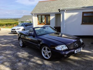 Exceptional Mercedes SL320 R129