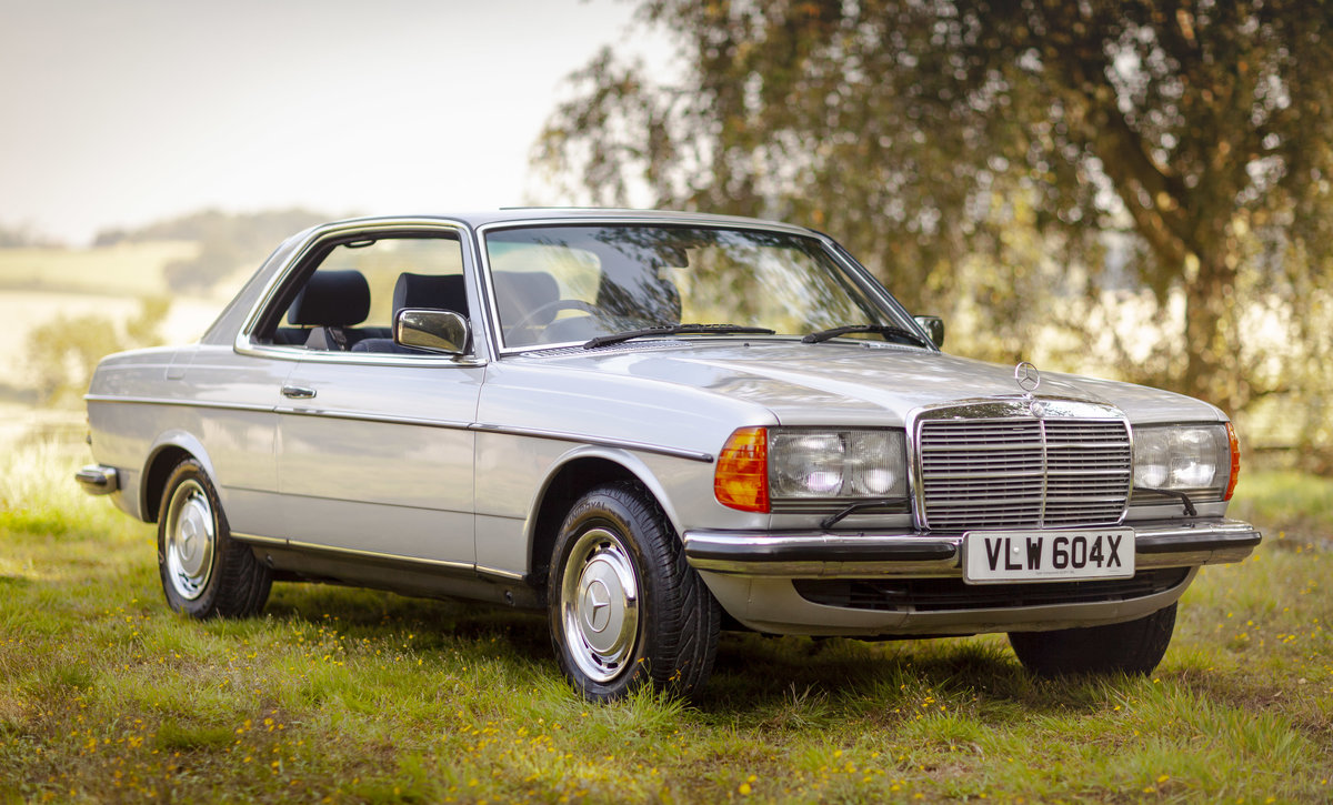1982 Mercedes 280CE W123 For Sale (picture 1 of 6)