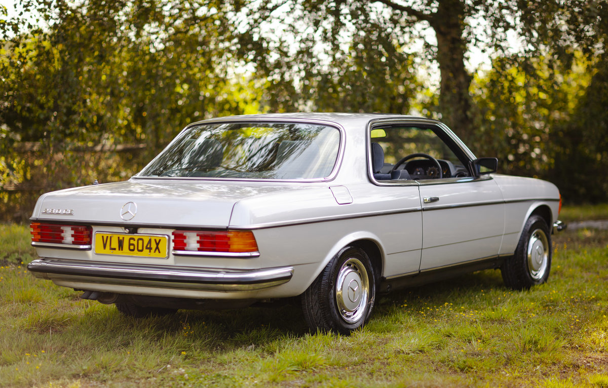1982 Mercedes 280CE W123 For Sale (picture 2 of 6)