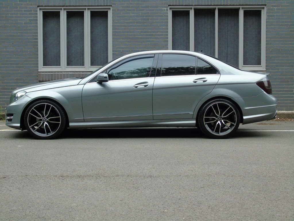 2012 Mercedes-Benz C Class 2.1 C250 CDI BlueEFFICIENCY AMG Sport  For Sale (picture 4 of 10)