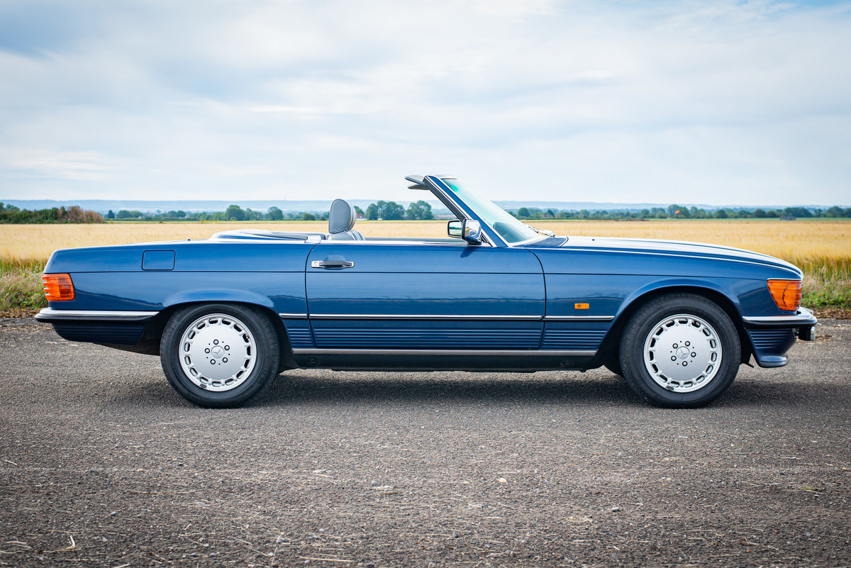 1987 Mercedes-Benz R107 300SL - 14,149 Miles From New For Sale (picture 2 of 6)