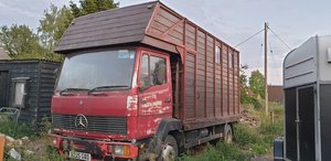 814 Horse box project