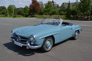 (1119) Mercedes-Benz 190 SL