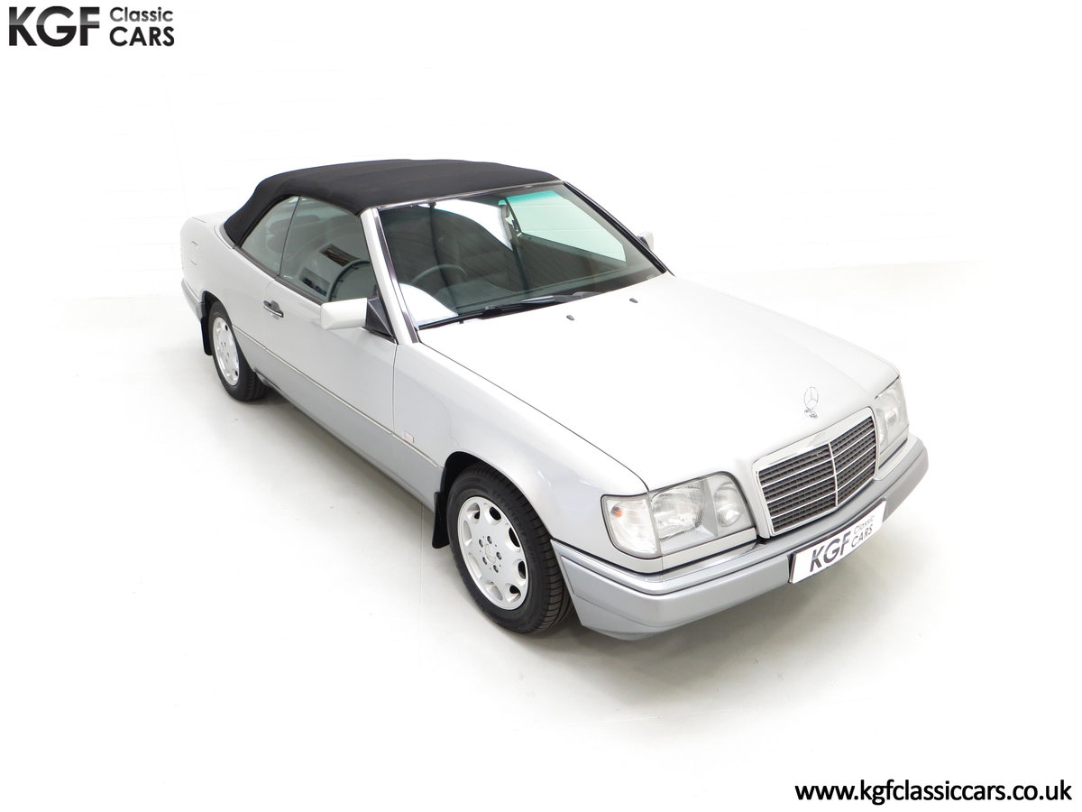 1997 A Splendid Mercedes-Benz W124 E220 Cabriolet 48,443 Miles For Sale (picture 2 of 24)