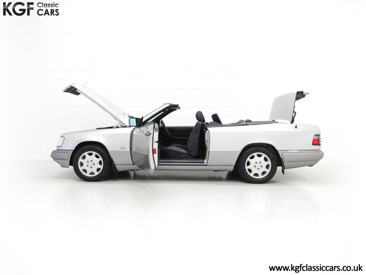 1997 A Splendid Mercedes-Benz W124 E220 Cabriolet 48,443 Miles For Sale (picture 7 of 24)