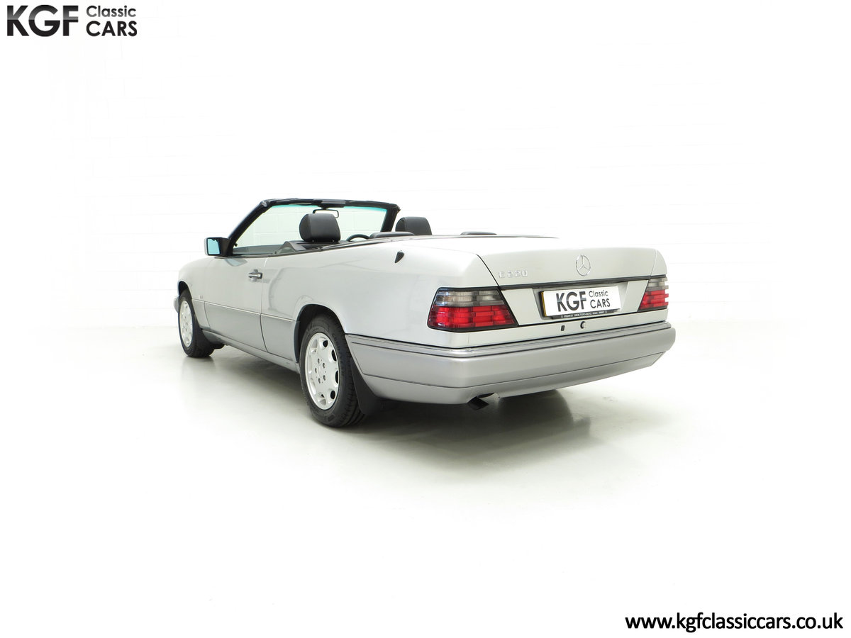 1997 A Splendid Mercedes-Benz W124 E220 Cabriolet 48,443 Miles For Sale (picture 8 of 24)