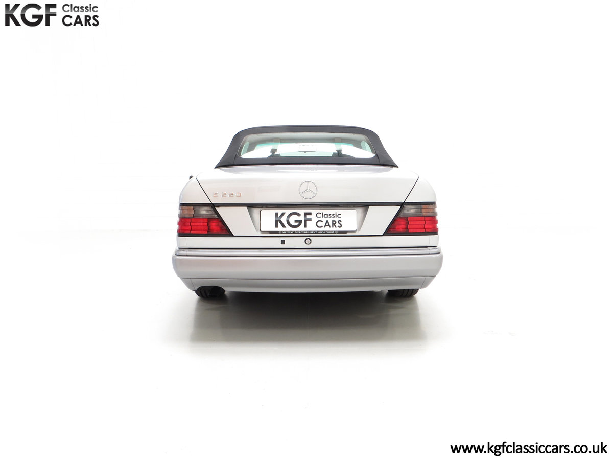 1997 A Splendid Mercedes-Benz W124 E220 Cabriolet 48,443 Miles SOLD (picture 10 of 24)