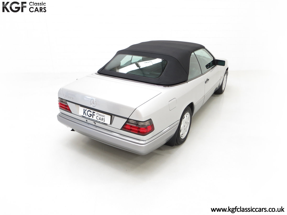 1997 A Splendid Mercedes-Benz W124 E220 Cabriolet 48,443 Miles For Sale (picture 12 of 24)