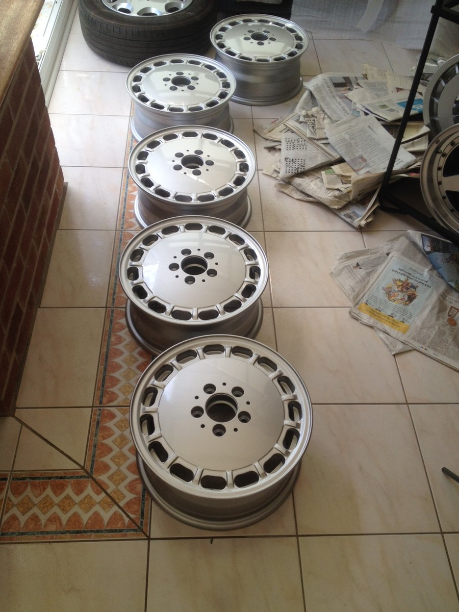 1984 Alloy wheels and stand very rare For Sale (picture 2 of 6)