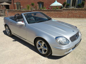 MERCEDES-BENZ 320 SLK V6 2001 COVERED 9K MILES WITH FULL SH For Sale