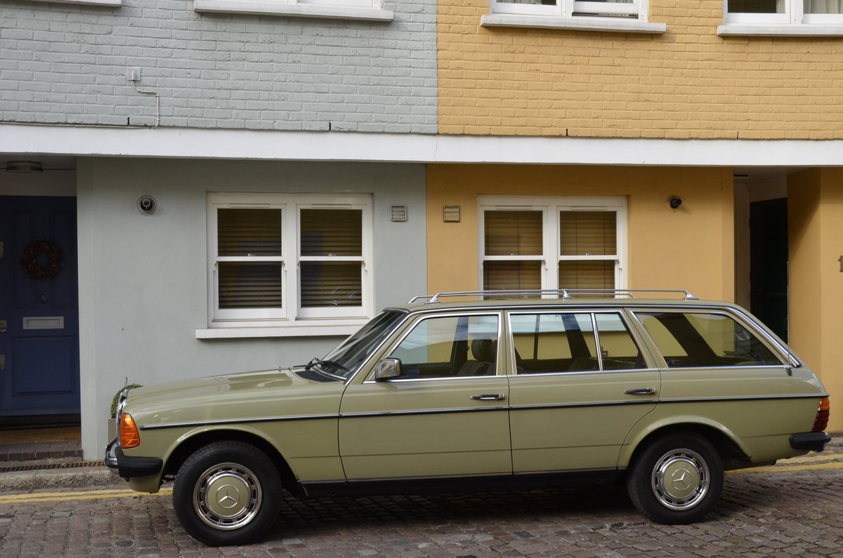 1985 Mercedes-Benz 200T W123 Estate For Sale (picture 2 of 6)