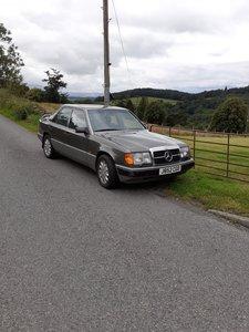 Mercedes Classic 300e