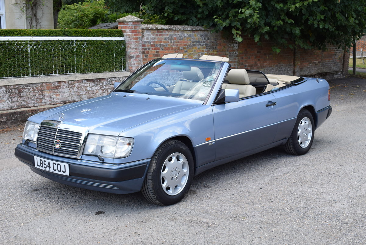 1993 Mercedes-Benz-320CE-W124-Sportline Cabriolet - Immaculate For Sale (picture 1 of 6)