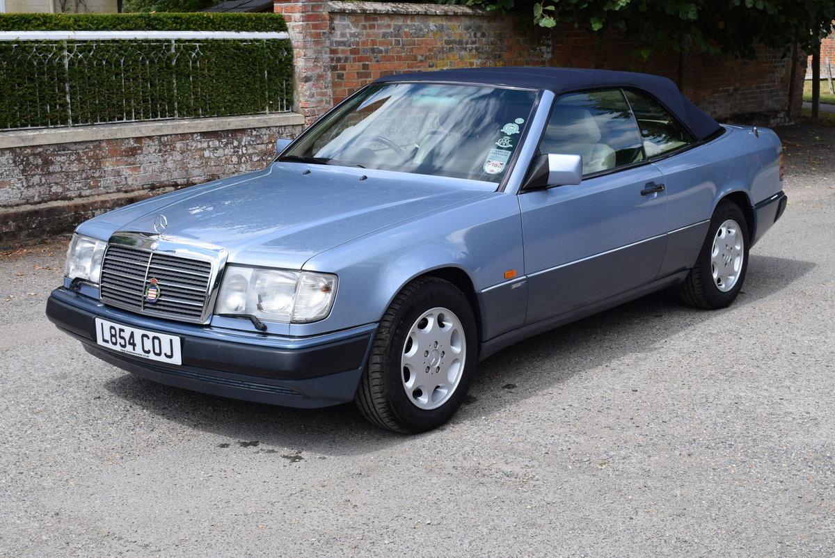 1993 Mercedes-Benz-320CE-W124-Sportline Cabriolet - Immaculate For Sale (picture 3 of 6)