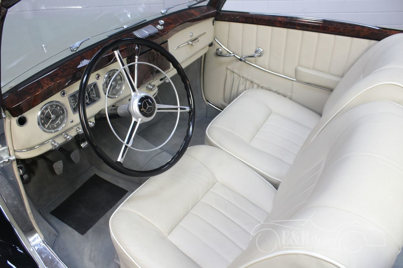 Mercedes-Benz 220A cabriolet 1952 Body off restored For Sale (picture 3 of 6)