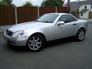FABULOUS 2000 SLK 230K LADY OWNER FROM 2008 68K FSH NEW MOT