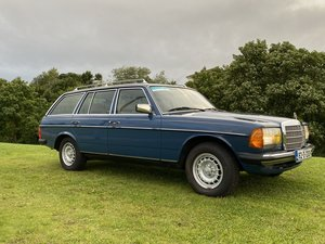 1982 Mercedes W123 300TD Automatic 7 seater Estate LHD For Sale
