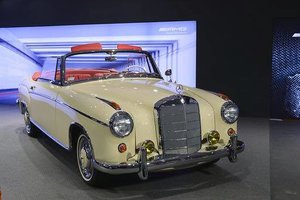 1960 Mercedes 220SE Hydrak Cab. 1 of 20 produced! RESTORED For Sale