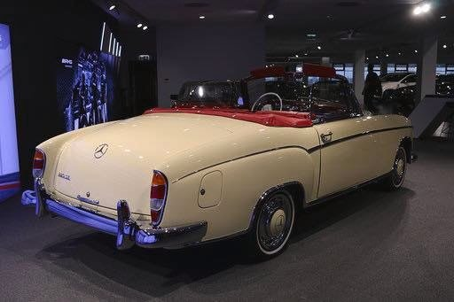 1960 Mercedes 220SE Hydrak Cab. 1 of 20 produced! RESTORED For Sale (picture 3 of 6)