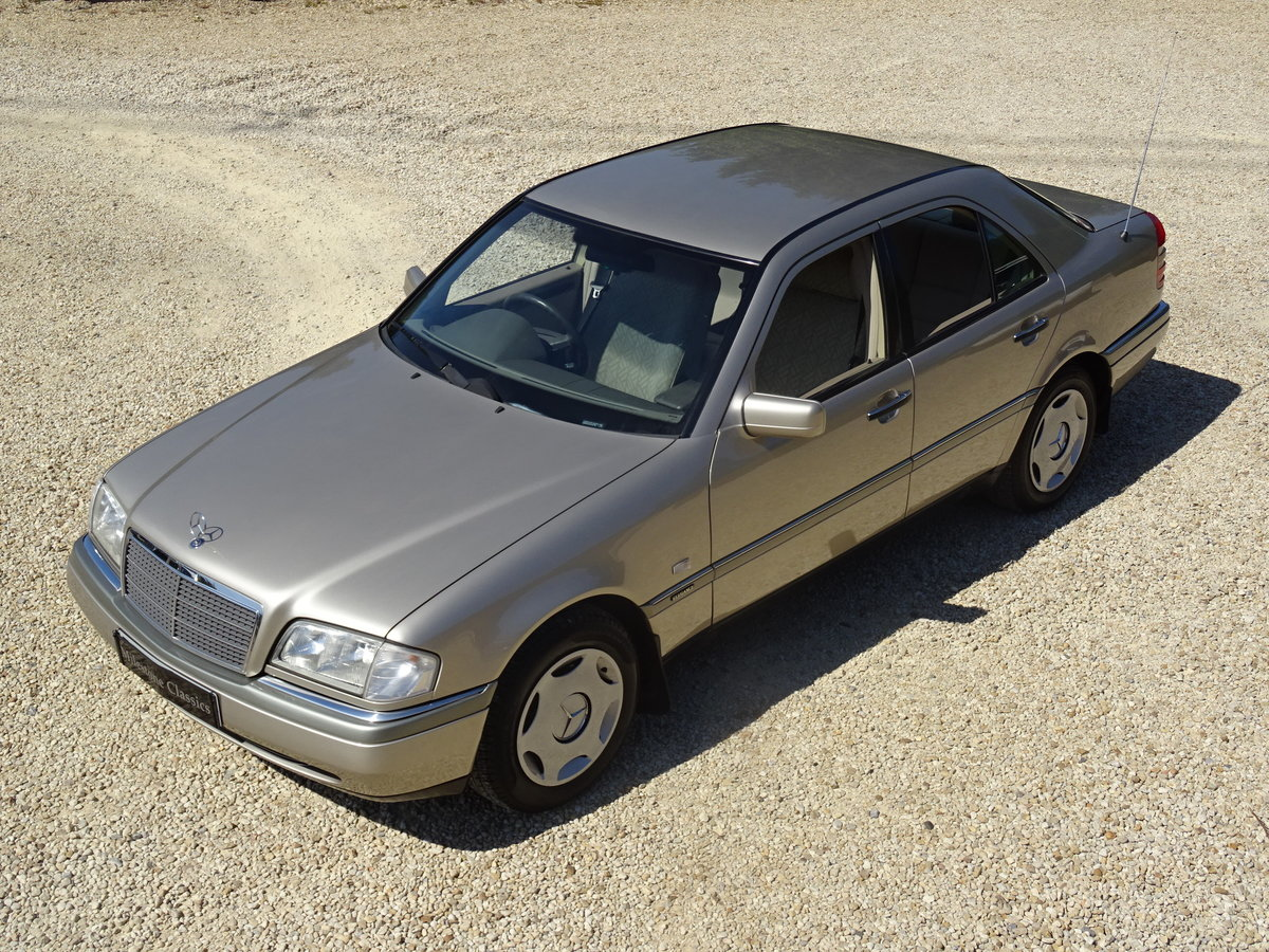 1996 Mercedes C200 Auto - Investment Quality For Sale (picture 1 of 6)