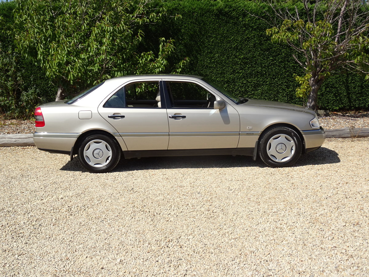1996 Mercedes C200 Auto - Investment Quality For Sale (picture 3 of 6)