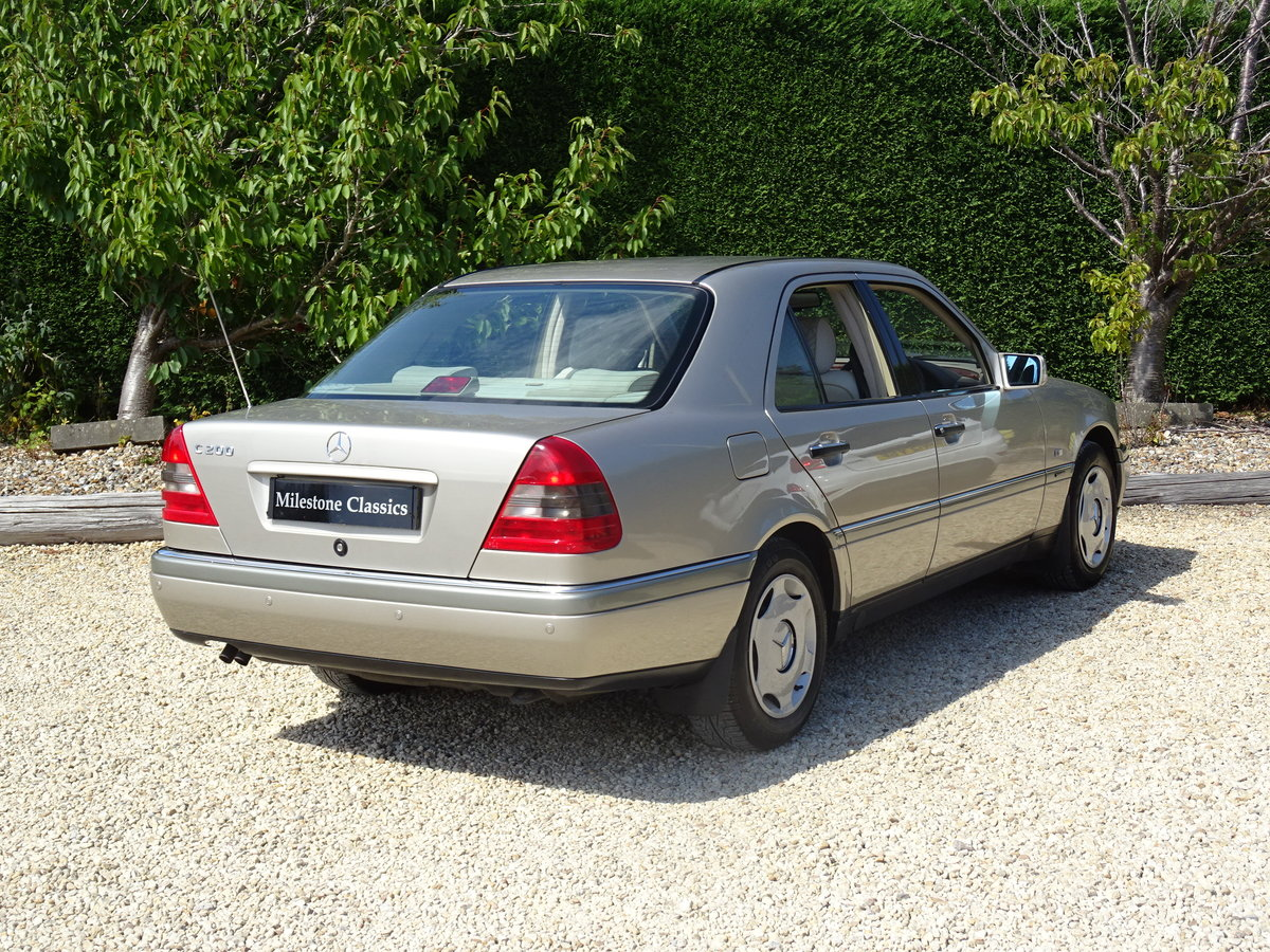 1996 Mercedes C200 Auto - Investment Quality For Sale (picture 4 of 6)