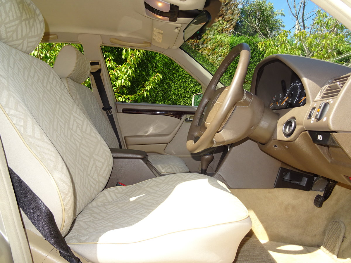 1996 Mercedes C200 Auto - Investment Quality For Sale (picture 5 of 6)