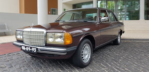 Mercedes (W123) 300D  Automatic 177.000 Kms - sold