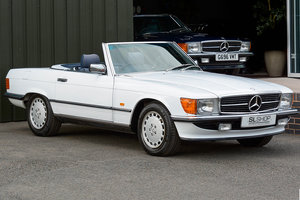 Picture of 1986 Mercedes-Benz 300SL (R107) With Blue Fabric #2041