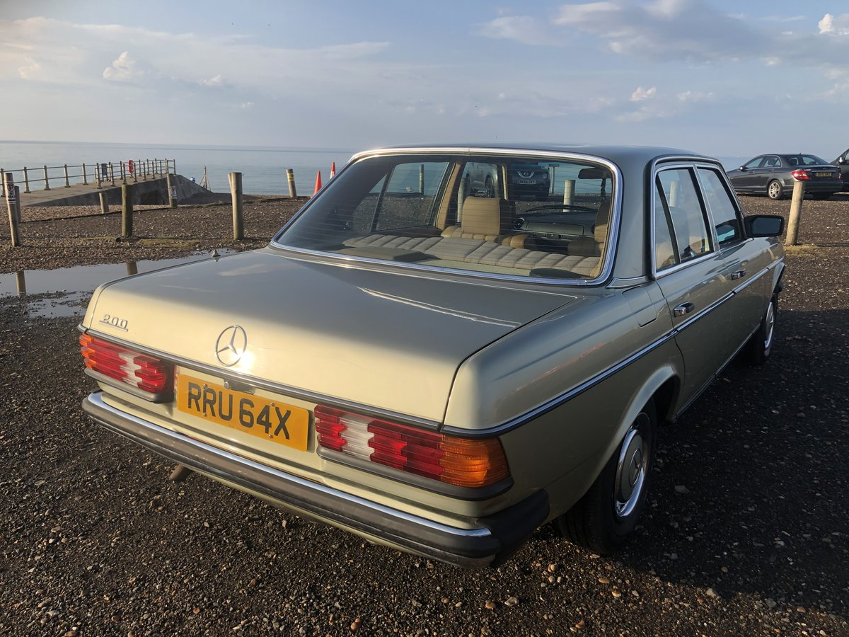 1981 MERCEDES 200 W123 LOW MILEAGE MASSIVE HISTORY SOLD (picture 6 of 6)