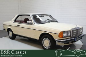 Mercedes-Benz 230 CE 1984 very nice colour combination For Sale