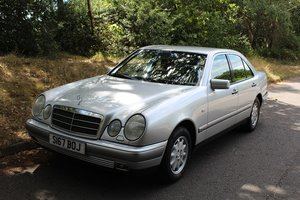 Picture of 1998 Mercedes E240 Elegance  - To be auctioned 30-10-20