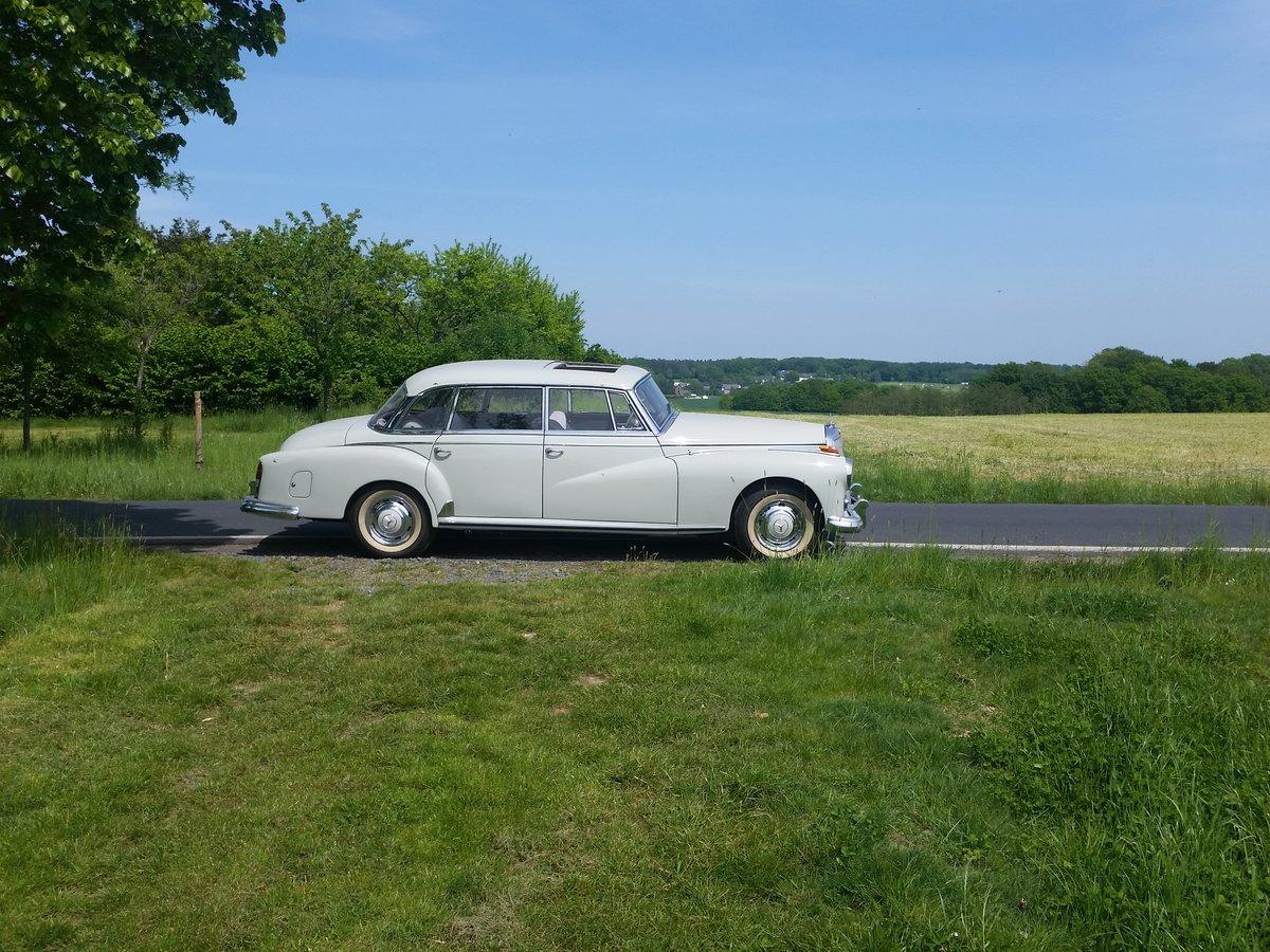 1958 300d mit Schiebedach und Handschaltung For Sale (picture 3 of 6)