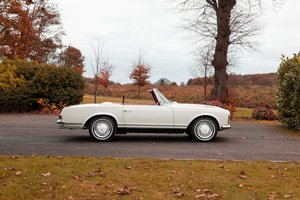 1966 MERCEDES 230SL LHD AUTO/PS 'BEST IN SHOW' WINNER For Sale