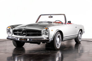 """Picture of  MERCEDES-BENZ 230 SL """"PAGODA"""" - Anno 1966 For Sale"""