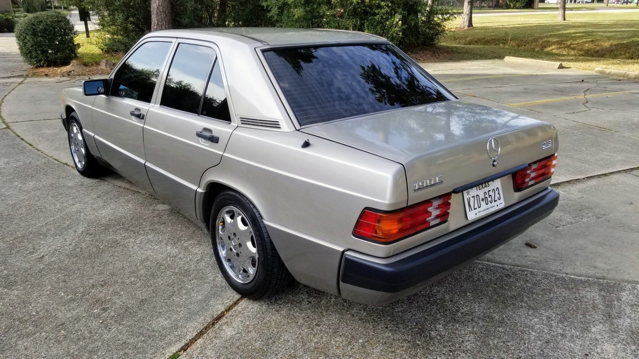 1993 Mercedes-Benz 190E 2.3 For Sale (picture 4 of 24)