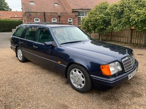 **OCTOBER ENTRY** 1995 Mercedes E280 Estate