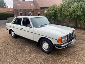 **OCTOBER ENTRY** 1985 Mercedes 230E For Sale by Auction