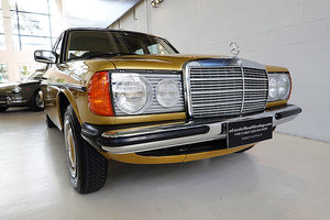 Picture of 1978 Stunning 300 D in rare Ikon Gold, beautiful Parchment trim SOLD