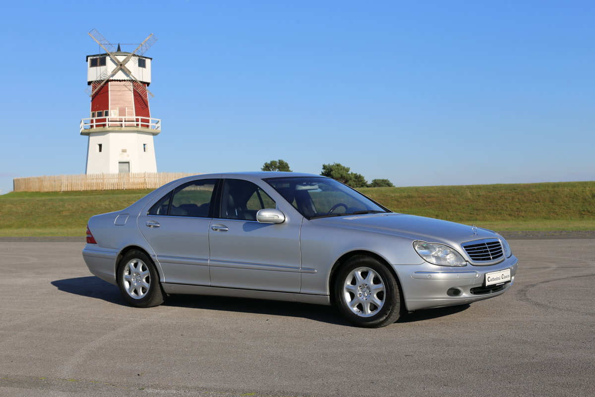 1991 A luxurious Mercedes-Benz W220 (Sonderklasse) S-Class 500 For Sale (picture 1 of 6)