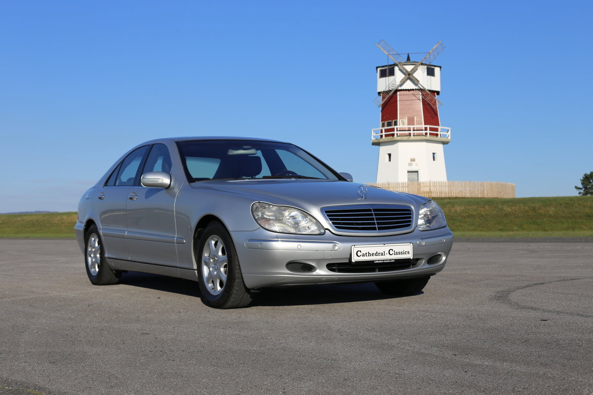 1991 A luxurious Mercedes-Benz W220 (Sonderklasse) S-Class 500 SOLD (picture 6 of 6)