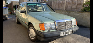 1987 Mercedes-Benz 260E W124