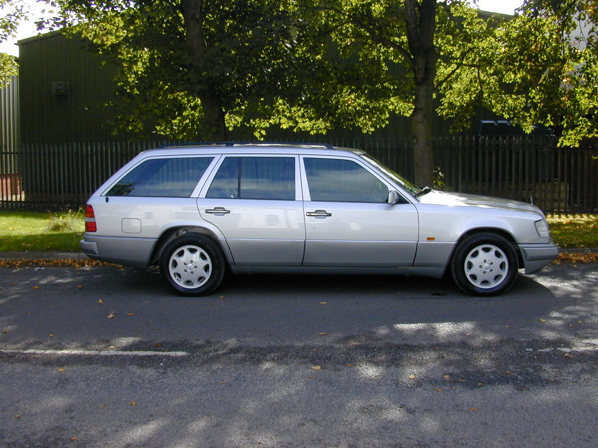 1995 MERCEDES BENZ W124 E320 ESTATE 7 SEAT - LEATHER - EX JAPAN! For Sale (picture 2 of 6)