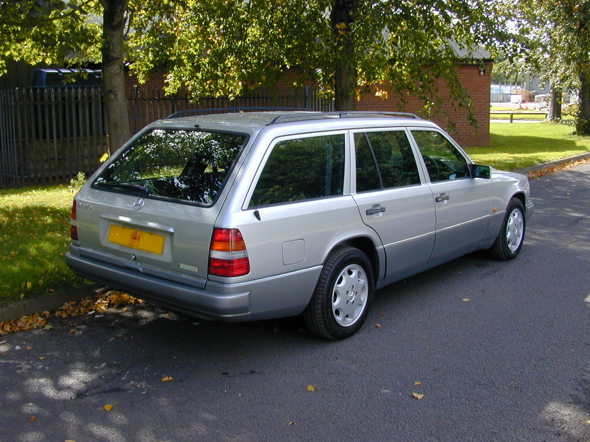 1995 MERCEDES BENZ W124 E320 ESTATE 7 SEAT - LEATHER - EX JAPAN! For Sale (picture 3 of 6)